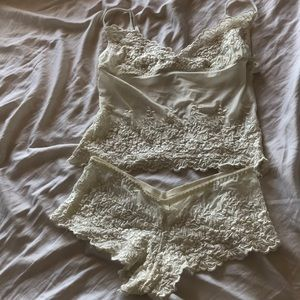 Vintage Ivory Sleep Set